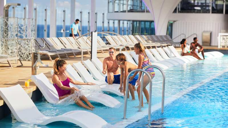 basseng-familieferie-cruise-celebrity-edge