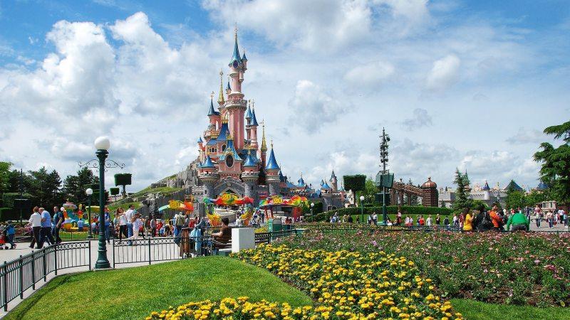 slottet-disneyland-paris-familieferie