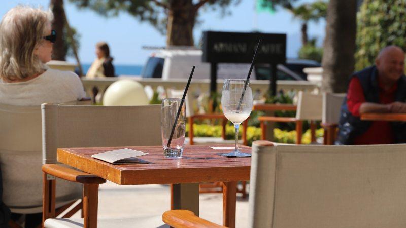 restaurant-stoler-rivieraen-reise