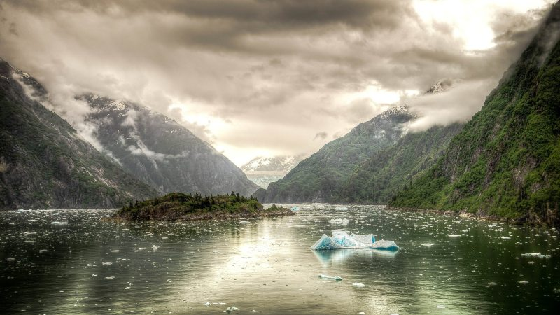 tracy-arm-fjord-alaska