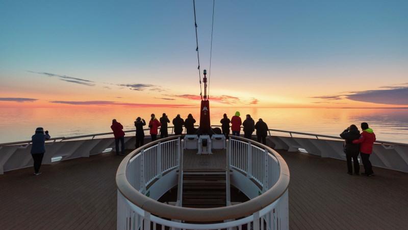 utsikt-solnedgang-dekk-ms_roald_amundsen