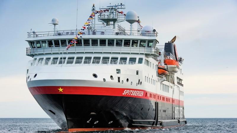 MS Spitsbergen. Foto: Oerjan Bertelsen/Hurtigruten