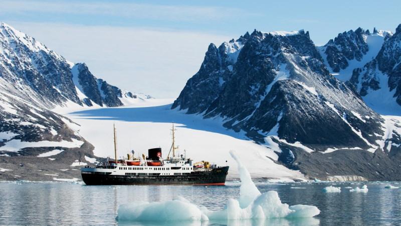 cruise-hurtigruten-svalbard-ms_nordsjernen-sol