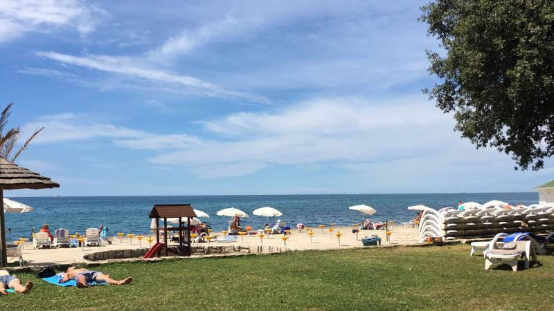 sydentur-strand-plava-laguna-istria-kroatia