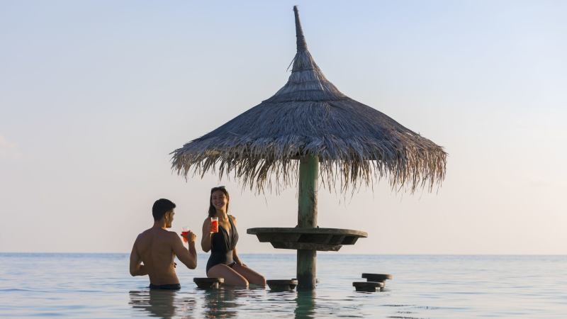 bar-centara_ras_fushi_resort_and_spa-maldivene