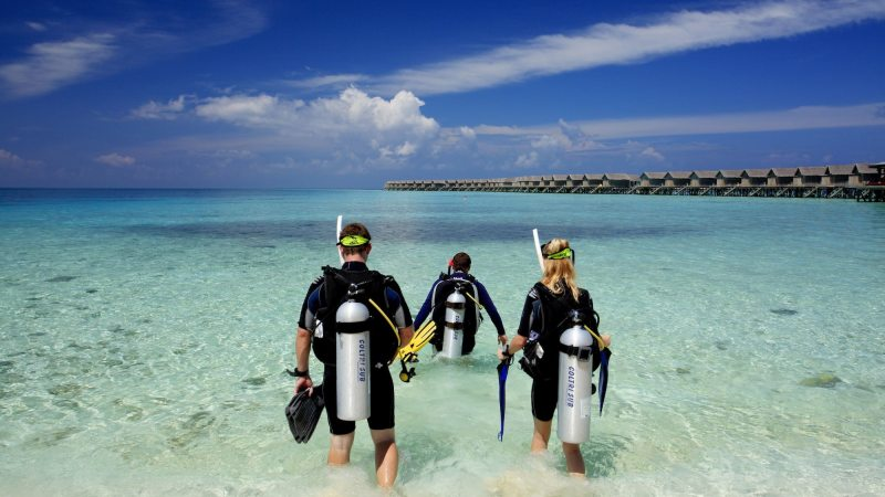 dykking-centara_ras_fushi_resort_and_spa-maldivene