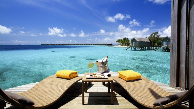 terrasse-villa-centara_ras_fushi_resort_and_spa-maldivene