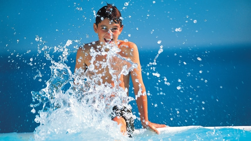cruise-middelhavet-barn-basseng