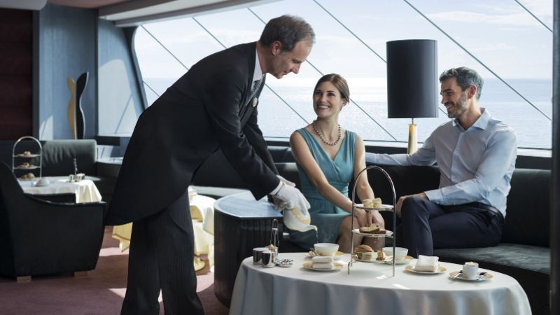 servering-lounge-afternoon_tea-msc_yacht_club