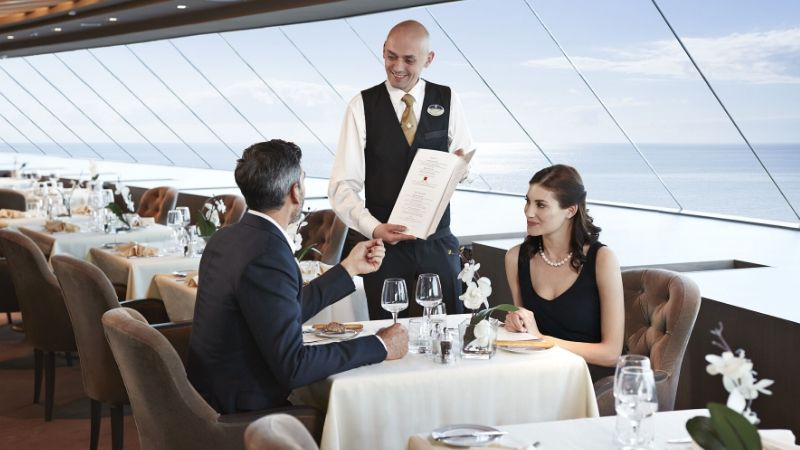 servering-restaurant-msc_yacht_club