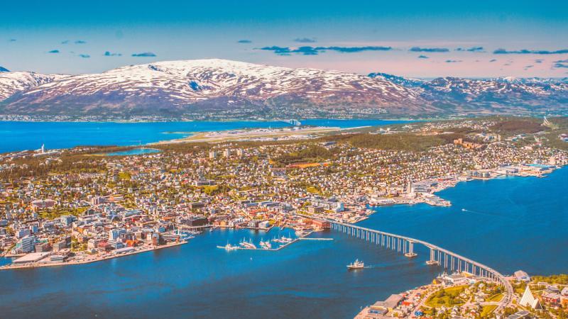 tromso-fjord-fjell