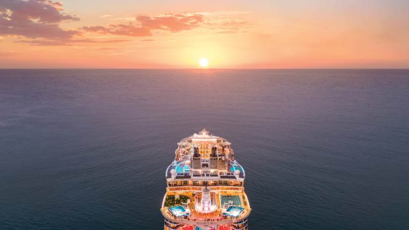 cruise-solnedgang-allure-of-the-seas