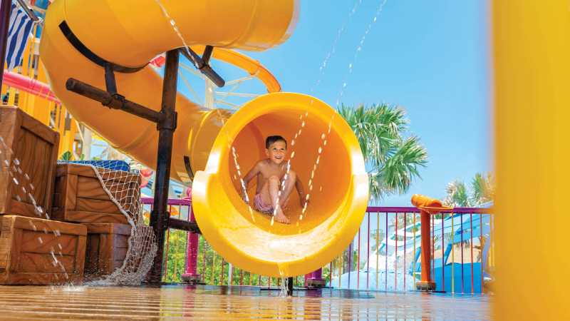 familieferie-cruise-karibien-cococay