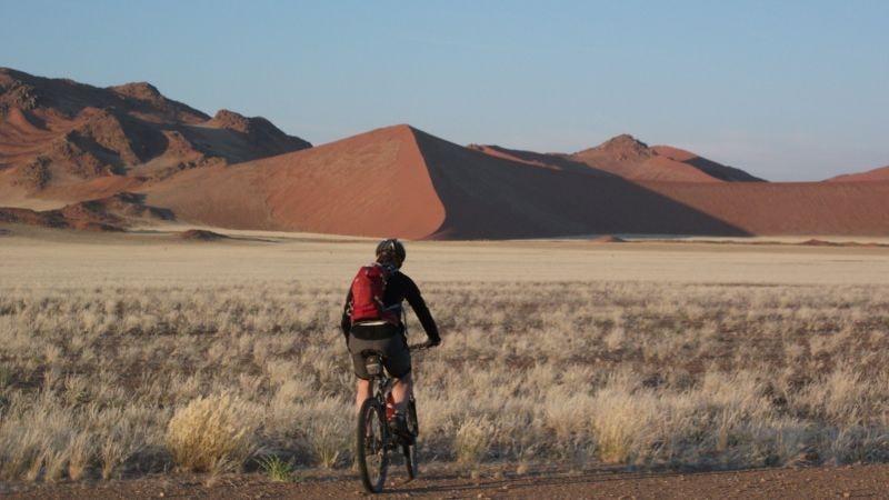 sykkelferie-namibia-sanddyner