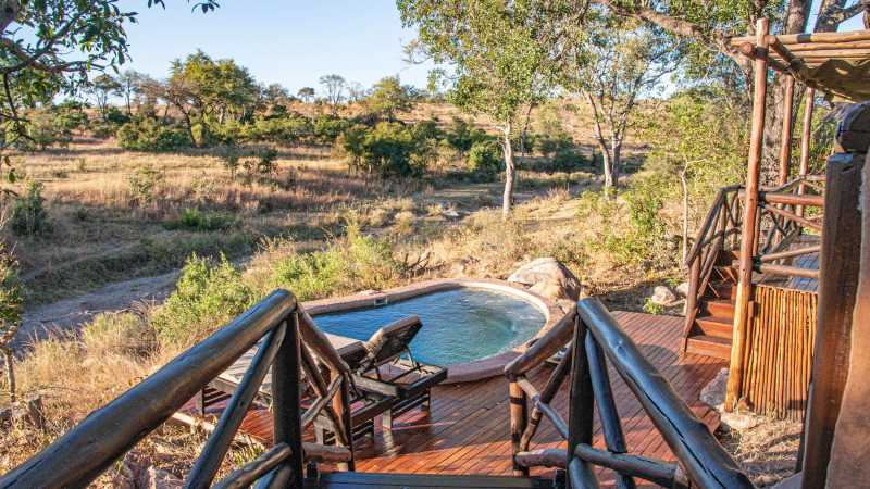 terrasse-lukimbi-safari-lodge