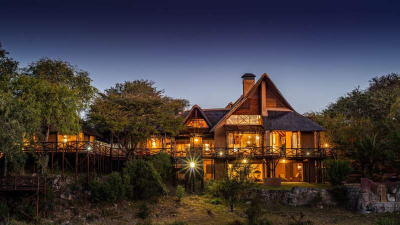 lukimbi_safari_lodge