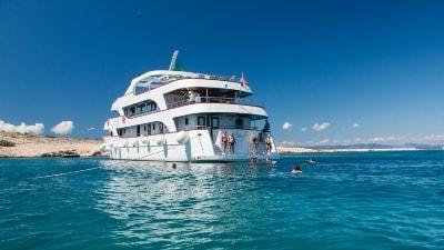 Langs Adriaterhavskysten i egen chartret yacht