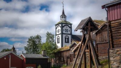 kirke-gamle-bygninger-roros-norgesferie