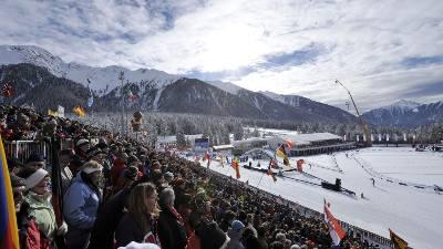 sol-tribune-publikum-skiskyting-anterselva