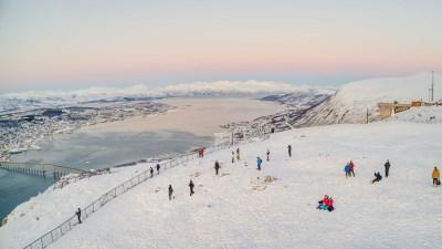utsikt-tromso-fjellheisen-vinter