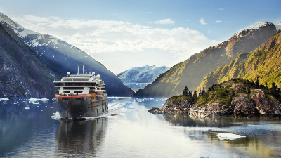 hurtigruten-ms-roald-amundsen-tracy-arm-fjord-alask