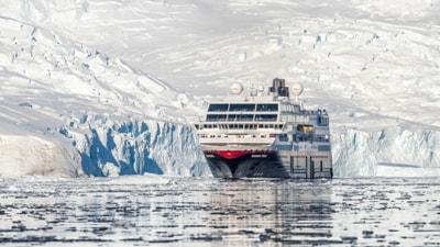 hurtigruten-opplevelser-antarktis-neko-harbour