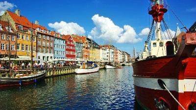 fargerike-nyhavn-kobenhavn-storbyferie
