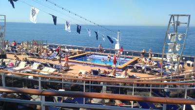 cruise-middelhavet-meraviglia-soldekk
