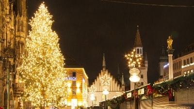 radhus-munchen-julepynt-storbyferie