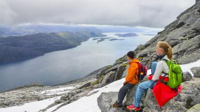 syv_sostre-helgelandskysten-nordland-utsikt-fjelltur