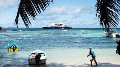 ponant-yacht-strand-seychellene