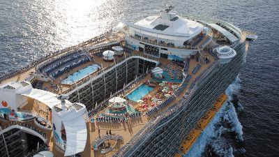 cruise-middelhavet-oasis-soldekk