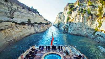 korinthkanalen-cruise-middelhavet